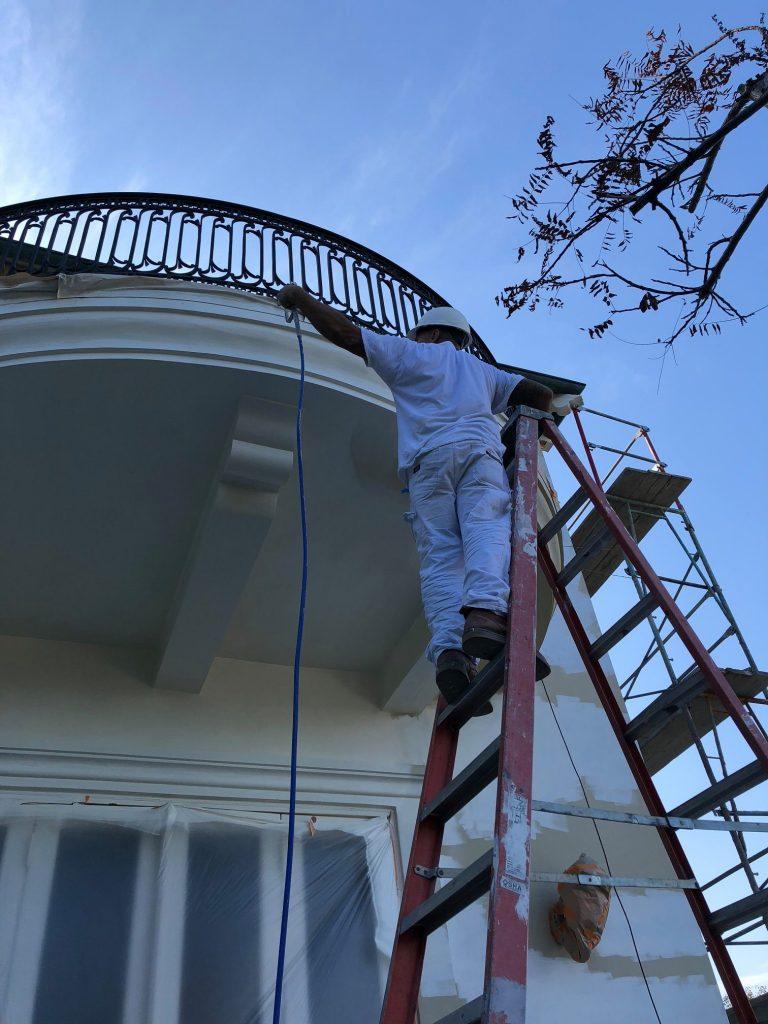 commercial exterior painter
